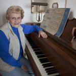Học chơi piano khi đã lớn tuổi – Không bao giờ giờ là quá trễ để bắt đầu!