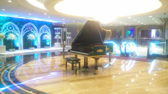 Nếu đang cân nhắc đến việc đầu tư một cây đàn piano cho nhà hàng của mình thì những điều sau đây sẽ mang đến cho bạn những gợi mở thú vị, từ đó có quyết định đúng đắn.