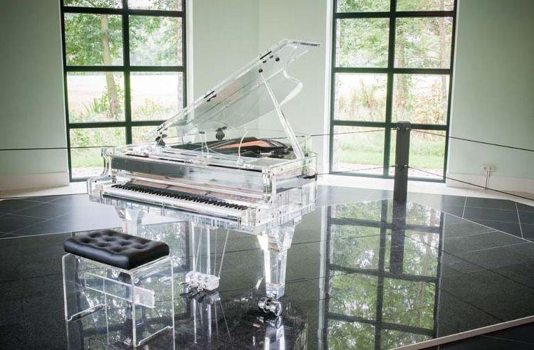 can-canh-nhung-cay-dan-piano-bang-pha-le-noi-tieng-the-gioi-01
