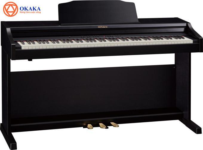 Kết hợp các tính năng cao cấp, giá cả cạnh tranh và kiểu dáng tủ đứng gọn nhẹ, đàn piano điện Roland RP302 đã sẵn sàng gia nhập gia đình bạn.
