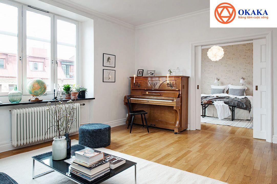 """Đàn piano không chỉ là nhạc cụ cho những người yêu nhạc """"phiêu"""" trên phím đàn mà còn là vật trang trí nội thất đầy sang trọng và tinh tế. Tuy nhiên, đàn piano có những yêu cầu riêng trong việc """"đặt, để"""". Nếu người chủ không biết chọn vị trí đặt đàn piano phù hợp thì điều này sẽ dẫn đến sự thiếu trọn vẹn của âm thanh, phá hủy thiết kế căn phòng, thậm chí làm giảm tuổi thọ của đàn piano. Bài viết dưới đây sẽ đưa ra những thông tin cần thiết giúp bạn chọn được vị trí đặt đàn piano lý tưởng cho từng không gian riêng."""