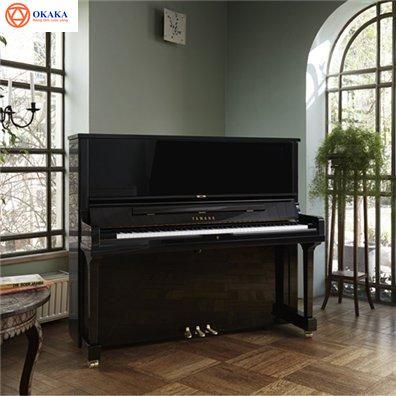 Nếu là người chơi piano chuyên nghiệp thì ai cũng mong muốn được biểu diễn trên một cây đàn piano cơ thuần chủng (acoustic piano). Những ngày trước thì chúng ta chỉ có duy nhất một loại đại dương cầm (grand piano), theo thời gian thì đã xuất hiện loại piano đứng (upright piano) nhằm thỏa mãn những yêu cầu đa dạng của nhiều người chơi. Bạn muốn chuyển từ piano điện sang piano cơ nhưng không biết nên mua đàn upright piano hay grand piano thì bài viết này của OKAKA sẽ giúp bạn.