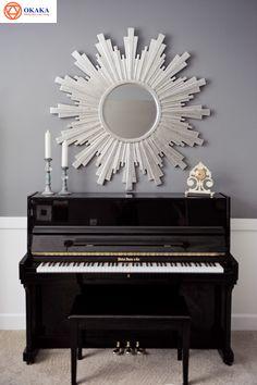 """Rất nhiều người phân vân khi lần đầu chọn mua piano điện hay piano cơ cho con hay cho bản thân. Nếu bạn không có một người thầy, người bạn có kiến thức chuyên sâu về đàn piano thì hãy để cho OKAKA Music giúp bạn. Bài viết dưới đây cung cấp nhiều thông tin bổ ích về sự khác nhau giữa piano cơ và piano điện cho những bạn """"bỡ ngỡ"""" mới đến với loại đàn """"thời thượng"""" này cũng như bổ sung thêm những kiến thức cần thiết cho người yêu piano."""
