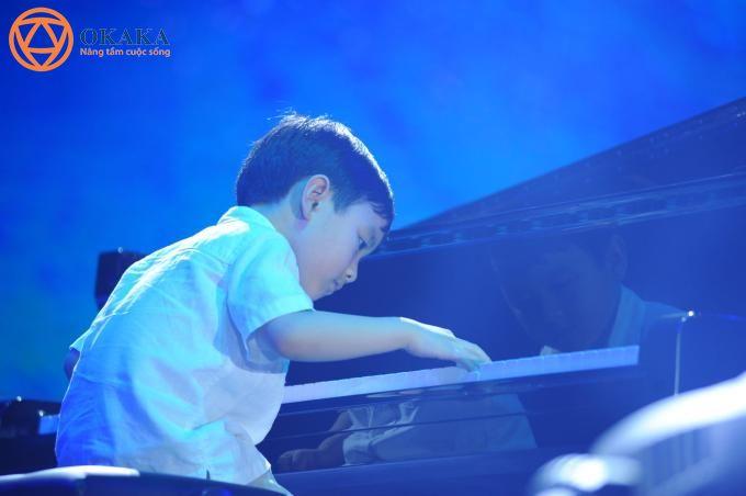 Piano là một nhạc cụ không dễ để làm chủ, ngay cả với những người yêu piano say đắm cũng phải mất nhiều năm trời để luyện tập. Với Evan Le..