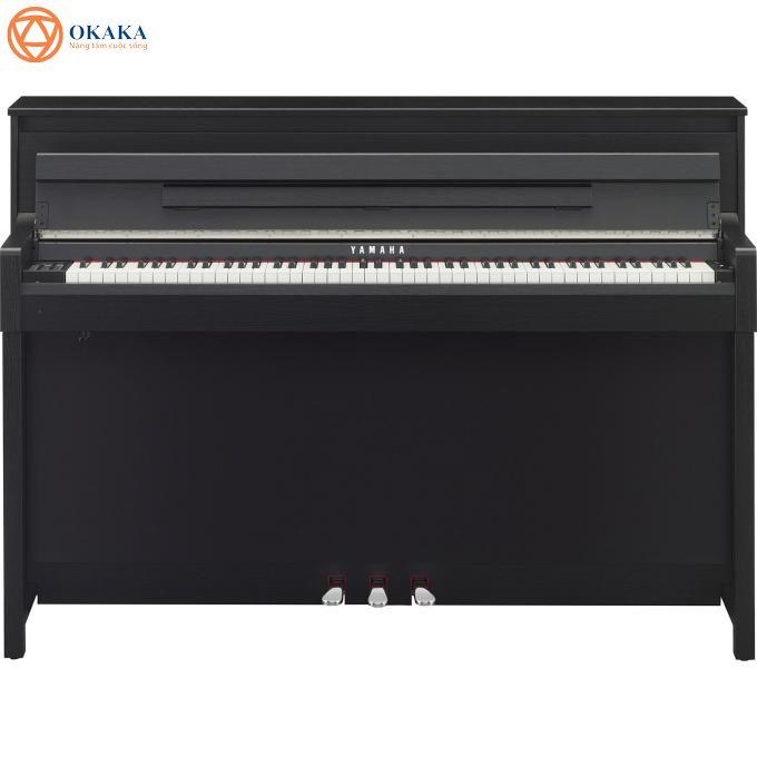 """Đàn piano điện Yamaha CLP-585 là sản phẩm đỉnh cao mô phỏng đàn piano cơ với nhiều cái """"nhất"""" thuộc dòng đàn piano vượt trội Clavinova 500-series. Nếu bạn là một người thích sự tân tiến trong âm nhạc, ngại khó khăn trong công tác bảo trì đàn piano truyền thống thì CLP-585 dòng Clavinova là sự lựa chọn tốt nhất có thể."""