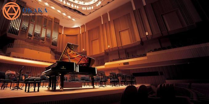 """Với thiết kế hoàn hảo đến từng chi tiết và âm thanh vượt trội của dòng Clavinova """"nức danh thiên hạ"""", đàn piano điện Yamaha CLP-635 không chỉ khoác lên mình vẻ đẹp làm hài lòng đôi mắt người ngắm nhìn mà còn ẩn chứa nét quyến rũ chiếm đoạt tâm hồn người chơi với những tính năng trên cả tuyệt vời."""