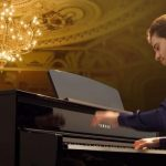 """Với rất nhiều model đàn piano điện khác nhau đến từ các thương hiệu khác nhau, thật dễ dàng để bối rối và thắc mắc sự khác biệt giữa chúng là gì. Câu hỏi OKAKA Music thường xuyên nhận được nhất là """"Thương hiệu đàn piano điện nào tốt nhất?"""""""
