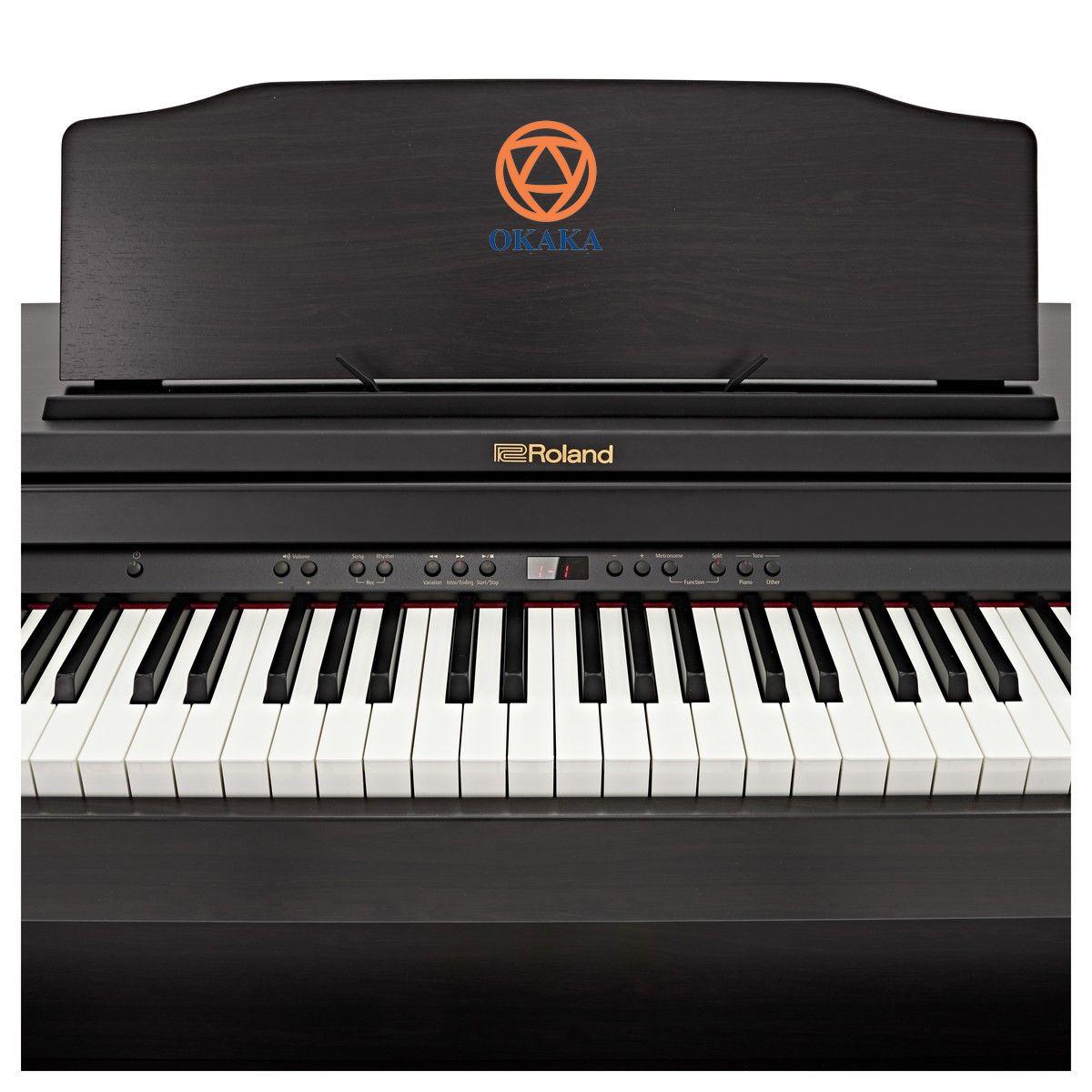 Và trên hết là, trong khi các cây đàn piano cấp thấp khác nhanh chóng bị bỏ xa, Roland RP-501R đáp ứng được những người chơi sành điệu với cảm giác bàn phím linh hoạt và âm thanh chân thực, phong phú. Đàn piano điện Roland RP-501R tích hợp các tính năng cao cấp, giá cả cạnh tranh và kiểu dáng tủ đứng nhỏ gọn nhưng vẫn mạnh mẽ, đã sẵn sàng gia nhập gia đình bạn.
