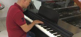Mua đàn piano điện Roland RP-501R – nên hay chăng?