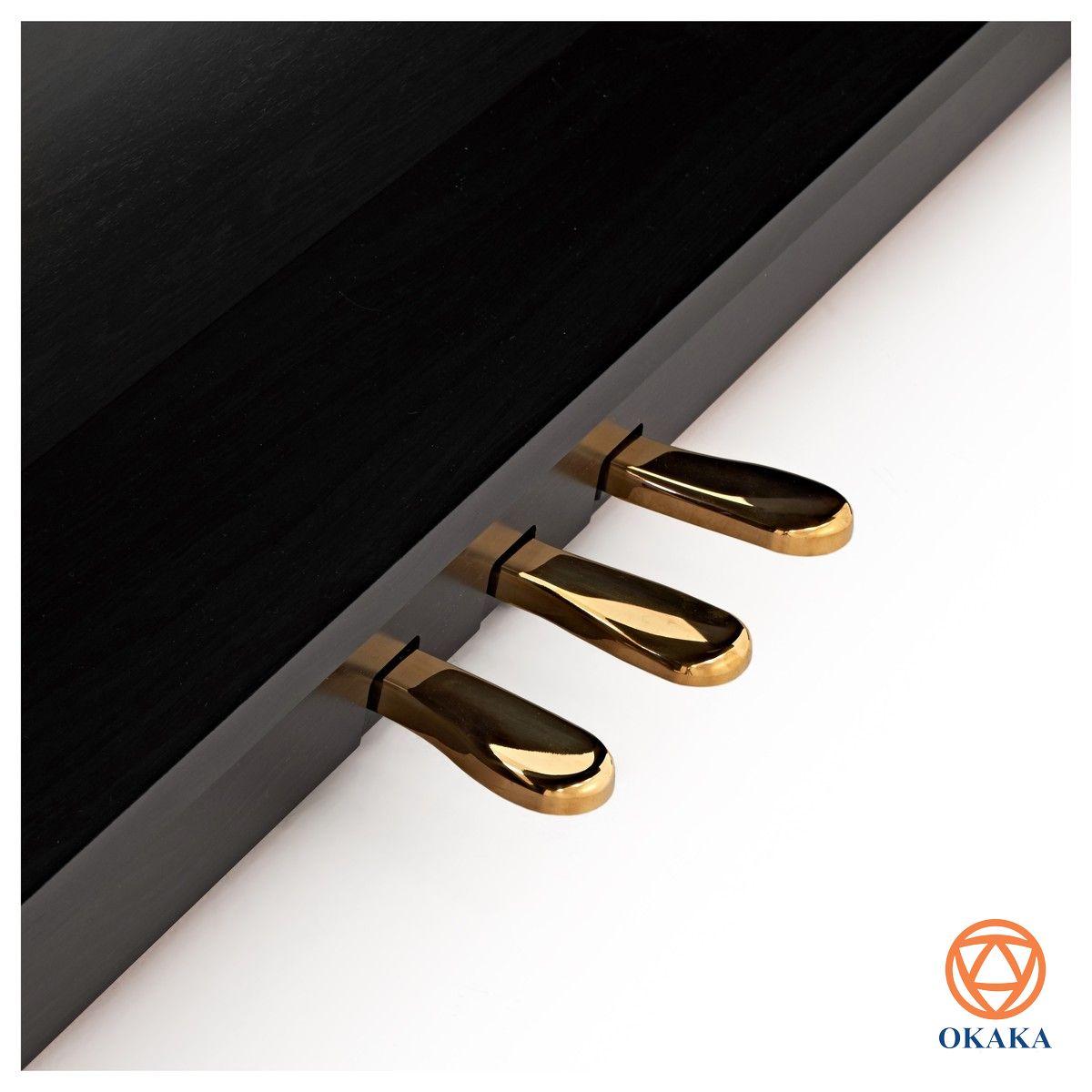 Là cây piano điện gia đình nhỏ gọn và giá cả phải chăng với các tính năng luyện tập có sẵn trên đàn và cổng kết nối Bluetooth®, không có gì khó hiểu khi đàn piano điện Roland RP-501R được nhiều khách hàng lựa chọn hiện nay.