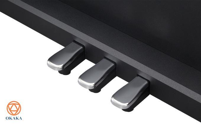 Roland vừa ra mắt đàn piano điện RP-102 và đây là cây đàn piano điện Roland đầu tiên có giá dưới 20 triệu. Tính đến thời điểm này, chiếc đàn piano điện Roland thuộc dòng RP-series dành cho gia đình có giá thấp nhất mà hãng cung cấp là RP-302, điều đáng nói là hầu hết các tính năng trên RP-302 đều được tích hợp trong model đàn piano điện Roland RP-102.