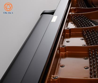 Đàn piano cơ Kawai GX-2 là một trong những cây grand piano bán chạy nhất thế giới có chiều sâu và sự cộng hưởng âm thanh tuyệt vời cùng với kích thước cổ điển để tô điểm cho bất kỳ ngôi nhà, studio chuyên nghiệp hay địa điểm biểu diễn nào.