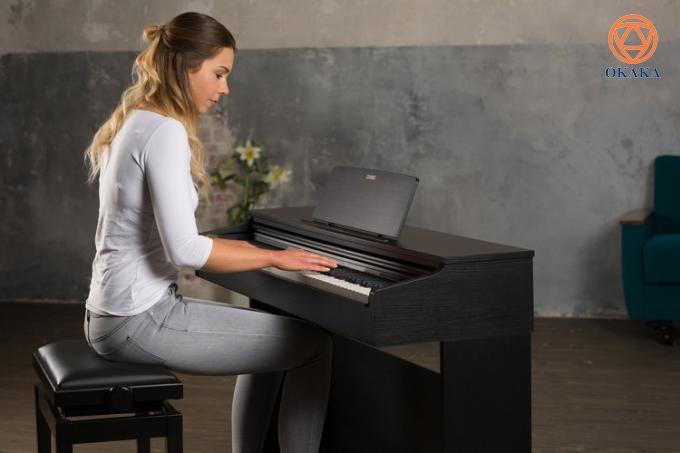 Đàn piano điện Casio AP-270 mới có một số nâng cấp rất khác biệt so với model AP-260 trước đó nhưng lại có cùng giá nên đây là tin rất tốt. Bằng việc cho ra mắt AP-270, Casio đã thực sự vượt trội trong ý tưởng sản xuất một cây đàn piano cung cấp trải nghiệm chơi piano tự nhiên hơn và thực tế hơn bất kỳ thương hiệu nào khác trong phạm vi giá này và đó thực sự là những gì Casio làm tốt. Những ai đang tìm kiếm một nhạc cụ chất lượng giá rẻ có thể thấy đây là một nhạc cụ phù hợp cho cả người mới bắt đầu lẫn người chơi cao cấp hơn.