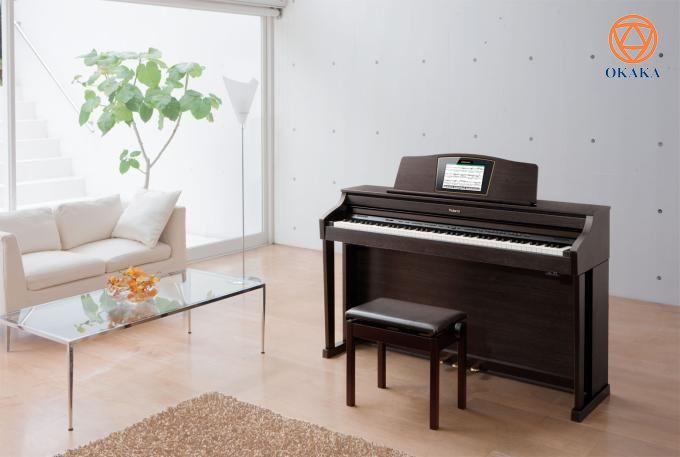 Mua đàn piano nói chung và mua đàn piano điện nói riêng không phải là việc dễ dàng để làm. Có quá nhiều thương hiệu, model, kích cỡ, kiểu dáng, màu sắc, giá cả và địa điểm để chọn lựa và tất cả những điều này có thể làm cho trải nghiệm mua đàn trở nên khó khăn. Vậy thì bạn có thể làm gì để điều này dễ dàng hơn và thú vị hơn? Tin vui là bạn đã hỏi đúng chỗ và OKAKA sẽ cho bạn một số câu trả lời đáng giá!