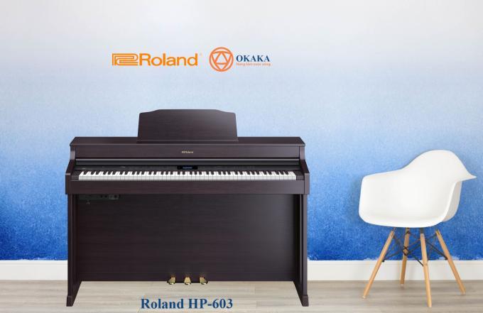 Sử dụng phiên bản mới nhất của công nghệ âm thanh SuperNATURAL Piano Modelling nổi tiếng của Roland cùng với bàn phím độc đáo kết hợp gỗ và vật liệu đúc cho cảm giác và độ bền tuyệt vời, đàn piano điện Roland HP-603/ HP-603A với kiểu dáng thanh lịch tinh tế chắc chắn sẽ tạo ra sức hút lớn cho ngôi nhà của bạn, đặc biệt với 3 màu gỗ hồng sắc, đen và trắng để bạn chọn.