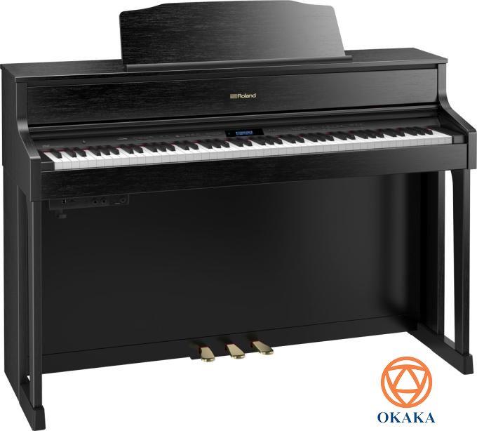 dan-pianRoland đã nỗ lực không ngừng để mang âm thanh và màn trình diễn hòa nhạc vào nhà bạn, bằng cách lựa chọn kiểu dáng tủ, màu đàn và hệ thống loa sao cho phù hợp lối sống của bạn. Với kiểu dáng cổ điển, đàn piano điện Roland HP-605 chắc chắn sẽ tăng thêm vẻ đẳng cấp cho ngôi nhà của bạn, đặc biệt với 4 màu đen bóng, gỗ hồng sắc, đen và trắng để bạn chọn.o-dien-roland-hp-605-cho-ngoi-nha-them-dang-cap-04
