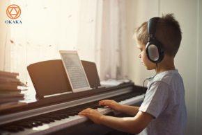 6 lợi ích của việc học chơi đàn piano điện