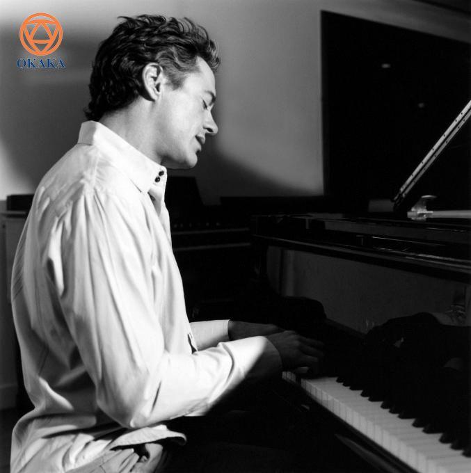 Những người nổi tiếng, từ Elvis Presley, Alicia Keys đến Robert Downey Jr... đã và đang sở hữu những cây đàn piano đẹp nhất. Vài người trong số họ là siêu sao của ngành công nghiệp âm nhạc, tuy nhiên những người khác trong danh sách này sẽ làm bạn ngạc nhiên đấy!