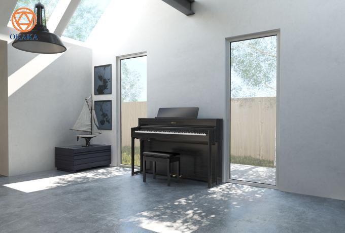 Với kiểu dáng tinh xảo và âm thanh vượt trội, piano điện Roland HP-704 mang đến màn trình diễn đáp ứng sự mong đợi của bạn từ một cây piano điện cao cấp.