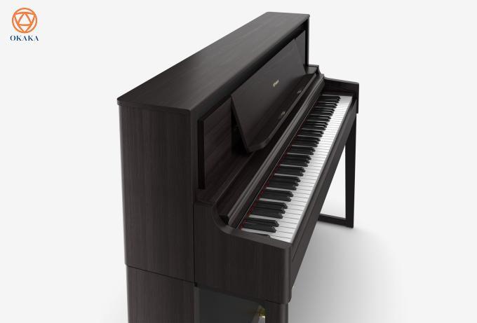 Đối với những người chơi say đắm dòng LX-700 series đang tìm kiếm sự cân bằng phù hợp giữa các tính năng và giá cả, đàn piano điện Roland LX-706 đáp ứng được gần như hầu hết khi mang đến cho bạn màn trình diễn chuyên nghiệp ở mức giá phù hợp.